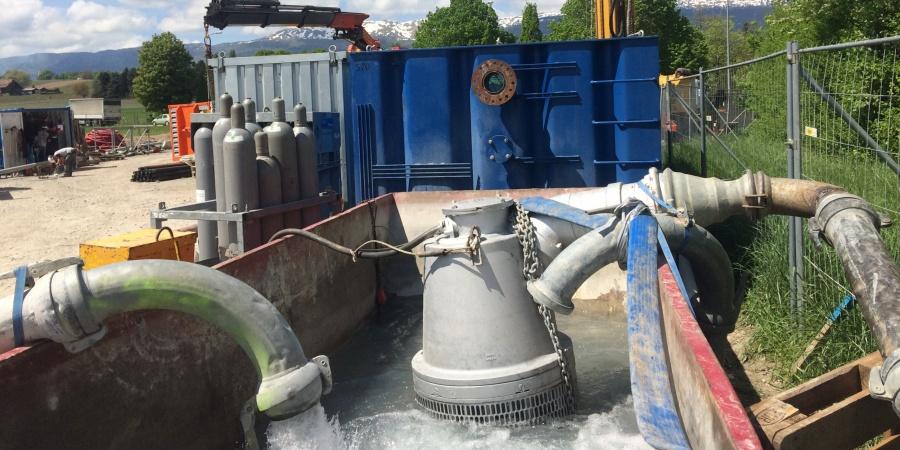 Bac de réception d'eau du forage géothermique à Satigny