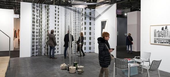Stand du Fonds cantonal d'art contemporain à artgenève 2018 © Serge Frühauf