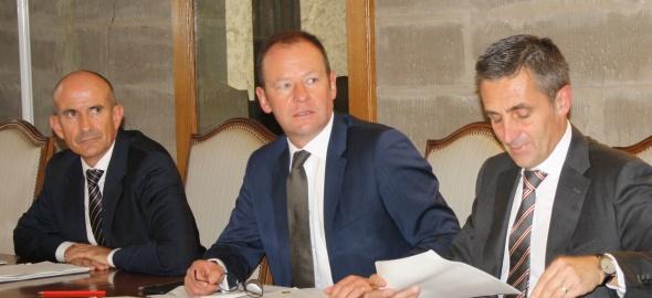 Le directeur général de l'OPE Grégoire Tavernier et les conseillers d'Etat Serge Dal Busco et François Longchamp