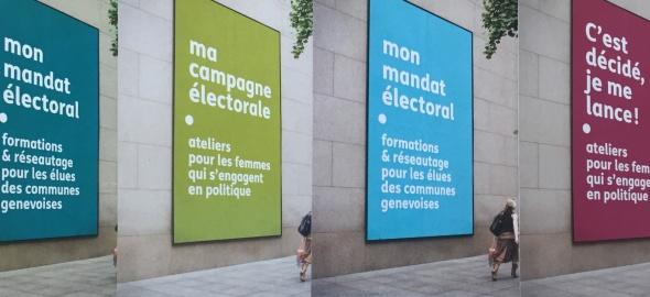 Femme qui marche devant les affiches publicitaires