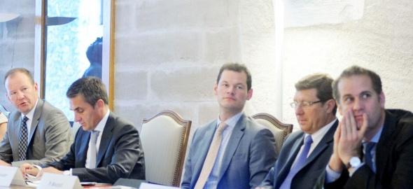 Le Conseil d'Etat a tenu de nombreuses séances de concertation et d'information