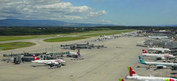 Vue du tarmac de l'Aéroport international de Genève