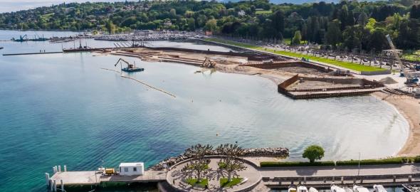Baby plage et le chantier de la Plage Publique des Eaux-Vives. Crédit: Aerial Works