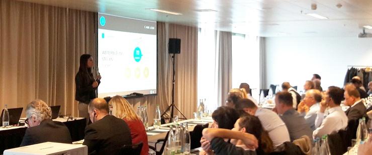 Caroll Singarella, directrice du service des mesures pour l'emploi, présente la stratégie digitale de l'OCE