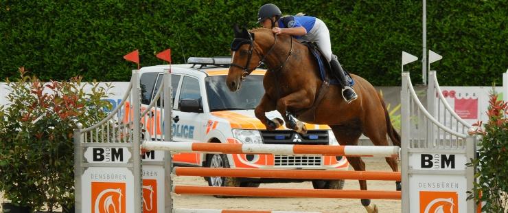championnat saut d'obstacles police