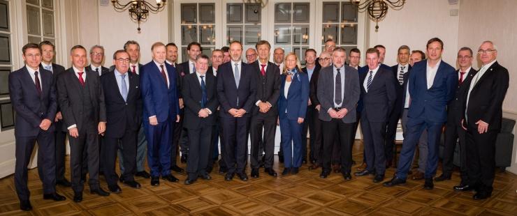 Déjeuner en l'honneur des délégations officielles des équipes nationales de football de Suisse et d'Irlande