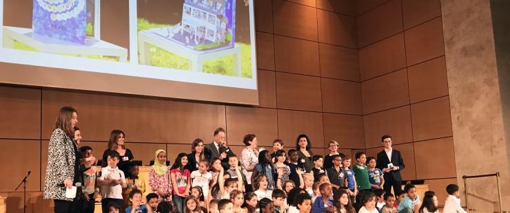 Les élèves de l'école des Libellules lors de la remise de prix au Palais des Nations