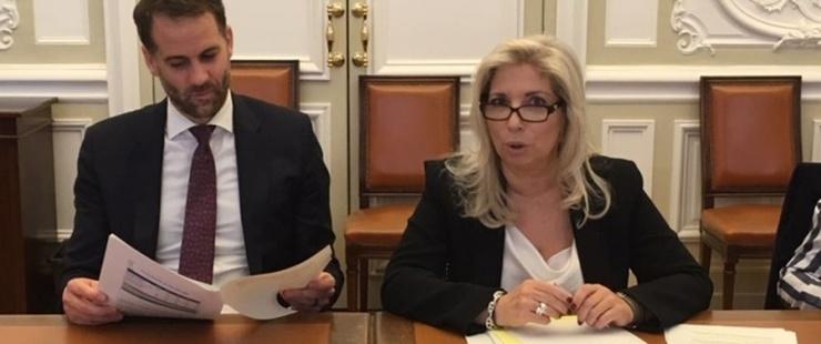 Antonio Hodgers et Nathalie Fontanet présentent le budget 2020